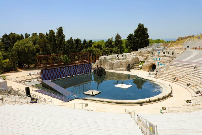 SIRACUSA, ITALIA - 22 GIUGNO 2019: Il teatro del greco antico di Siracusa in Sicilia, ha installato per una manifestazione fotografia stock libera da diritti