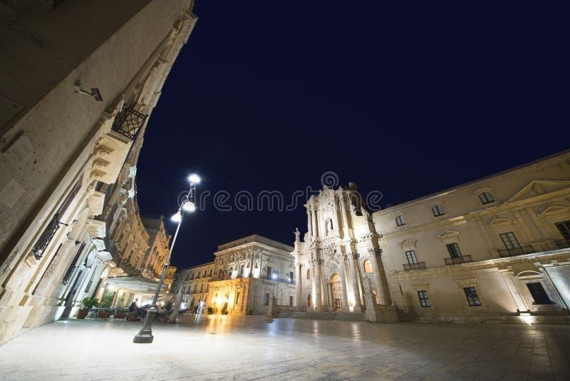 Siracusa in Sicilia, Ortygia di notte immagini stock