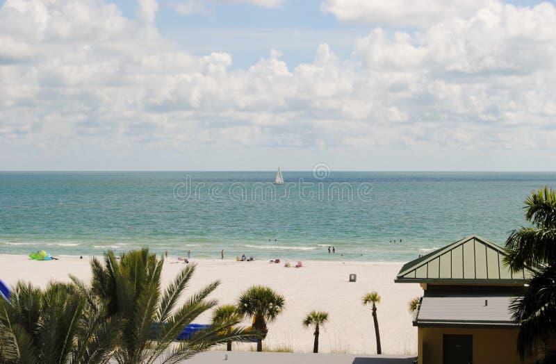 Sirata-Strandurlaubsort lizenzfreie stockbilder