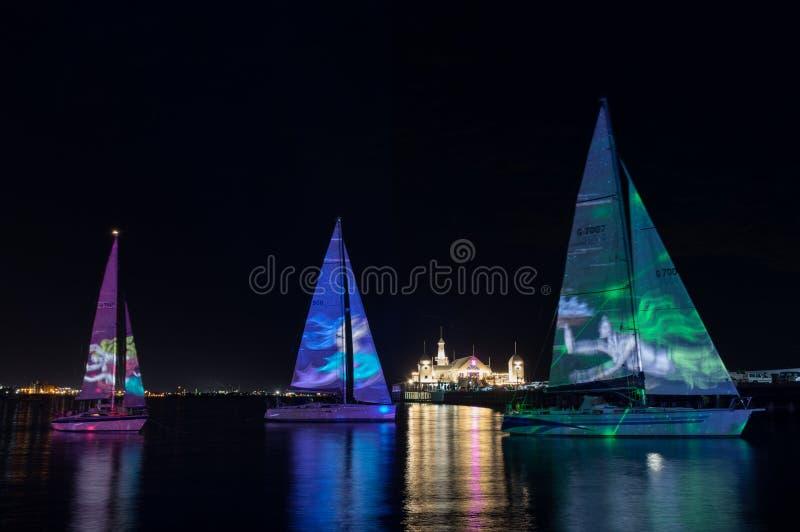 Sirenen-Liedlichtprojektionen während der weißen Nacht Geelong im Jahre 2018 stockfotografie