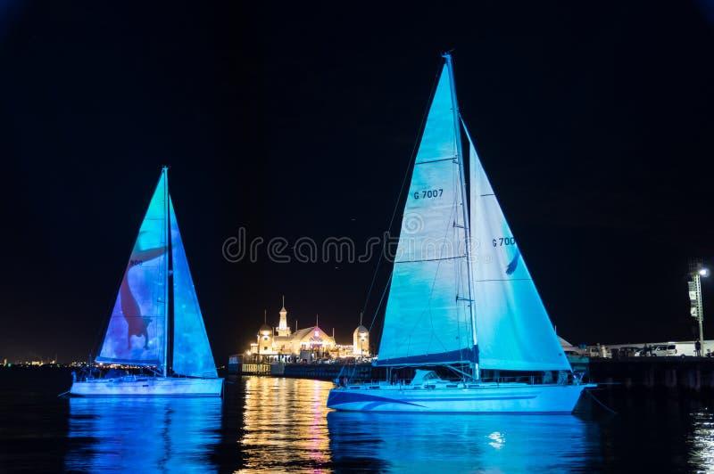Sirenen-Liedlichtprojektionen während der weißen Nacht Geelong im Jahre 2018 lizenzfreies stockfoto