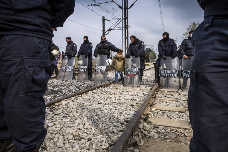 Sirian uchodźcy blokujący w Idomeni obrazy royalty free