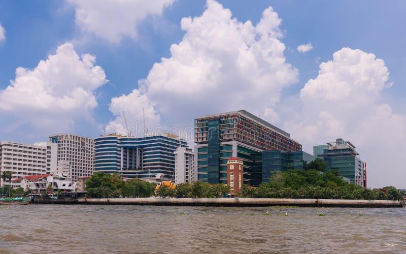Siriraj sjukhus Det är det äldsta och största sjukhuset i Bangkok, Thailand arkivbild