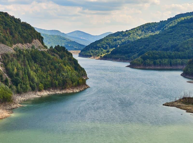 Siriu Lake and dam, Kreis Siriu-Buzau, Rumänien stockfotos