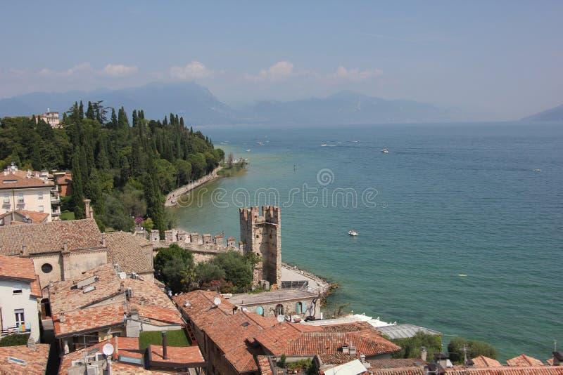 Sirmione озером Garda стоковые изображения rf