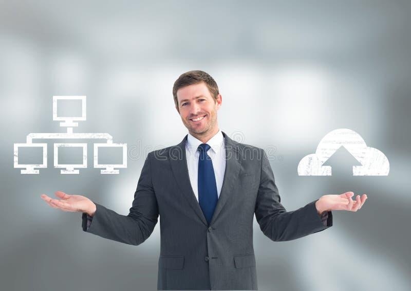 Sirva el servidor o la nube que elige o de decisión que computa con las manos abiertas de la palma fotos de archivo