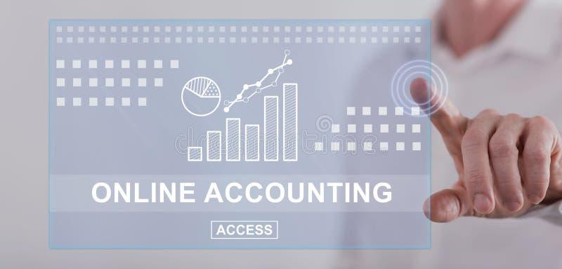 Sirva el tacto de un concepto de contabilidad en línea en una pantalla táctil foto de archivo