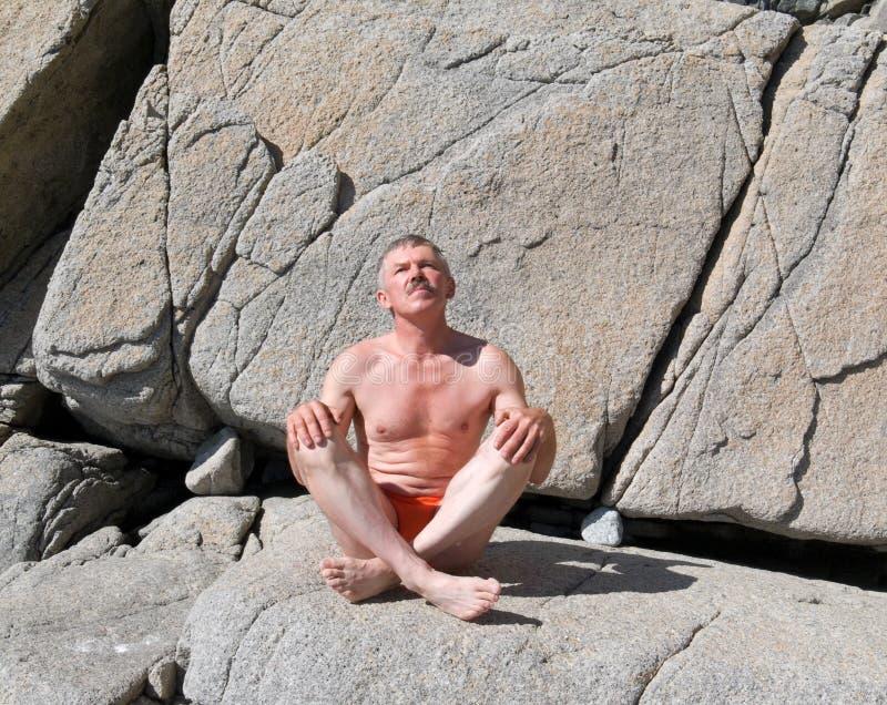 Sirva en las rocas 2 fotos de archivo