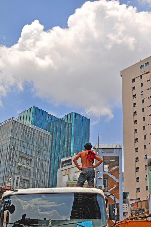 Sirva la mirada de la construcción de la ciudad, Ho Chi Minh, Vietnam foto de archivo