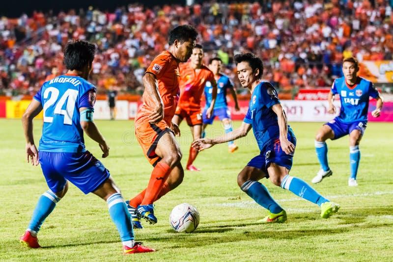 Download SISAKET TAILANDIA 21 DE JUNIO: Eakkapan Nuikhao De Sisaket FC (naranja) Imagen de archivo editorial - Imagen de agresivo, retroceso: 41919519