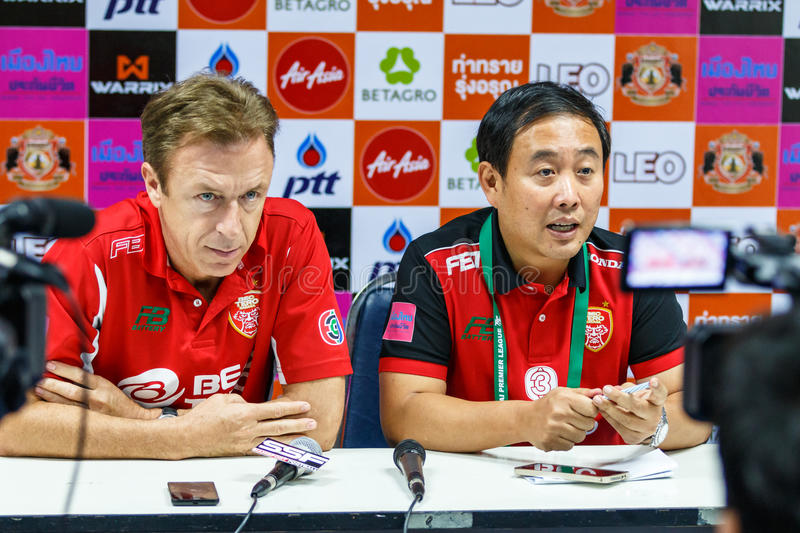 SISAKET THAILAND-FEBRUARY 18: Robert Procureur (L) general manager and Thanya Wongnak (R) team manager of BEC Tero at a press con royalty free stock images