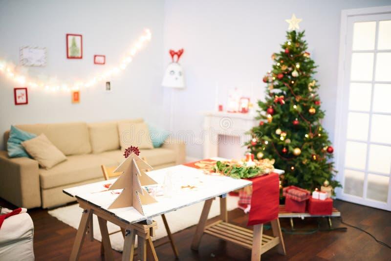 Sista förberedelser för julberöm royaltyfri foto
