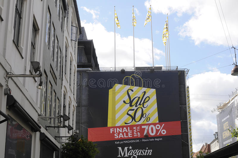 SISTA SALE RÄDDNING 70% arkivbilder