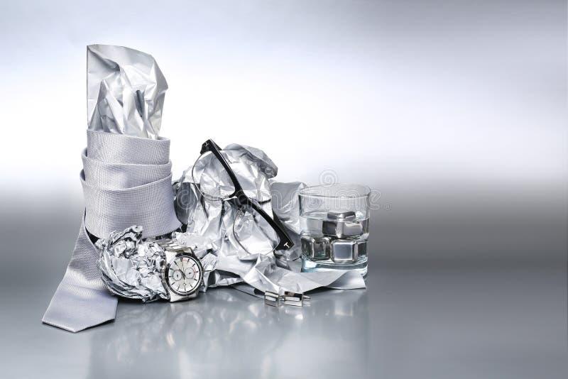 Sistema atractivo y de moda, accesorios de plata para el equipo del hombre de b fotos de archivo