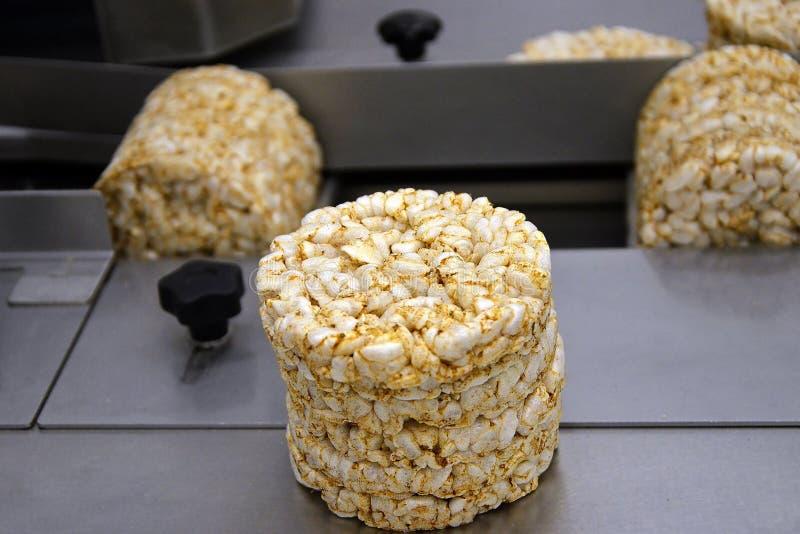 Sistema automatizado funcional multi de la comida transportador automático de la categoría alimenticia para la producción de cris fotos de archivo