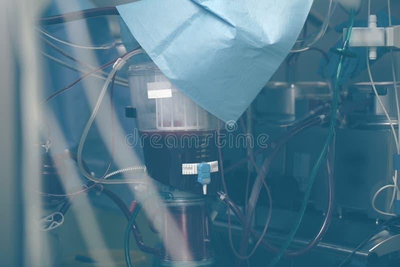 Sistema complexo de tubos, de reservatórios e de tanques em um medica moderno fotos de stock