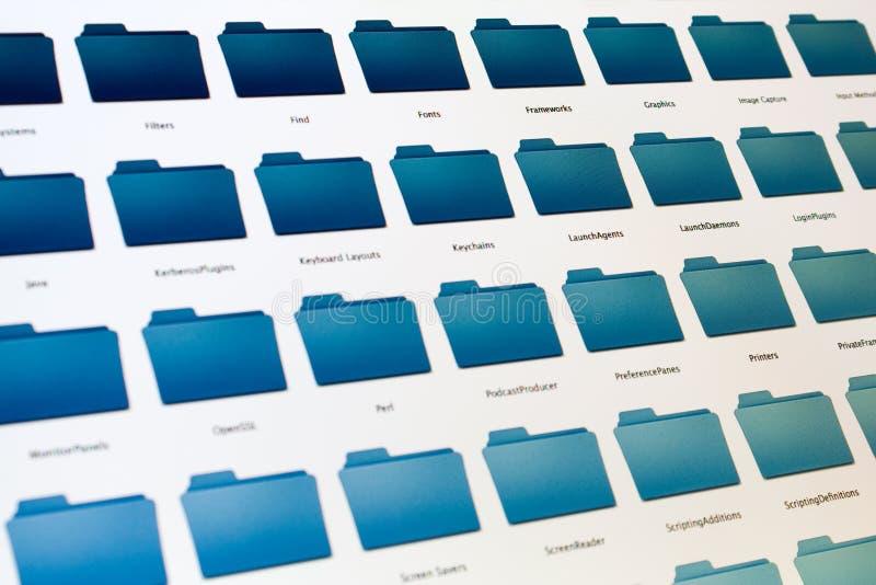 Sistema de arquivo do computador na tela preta