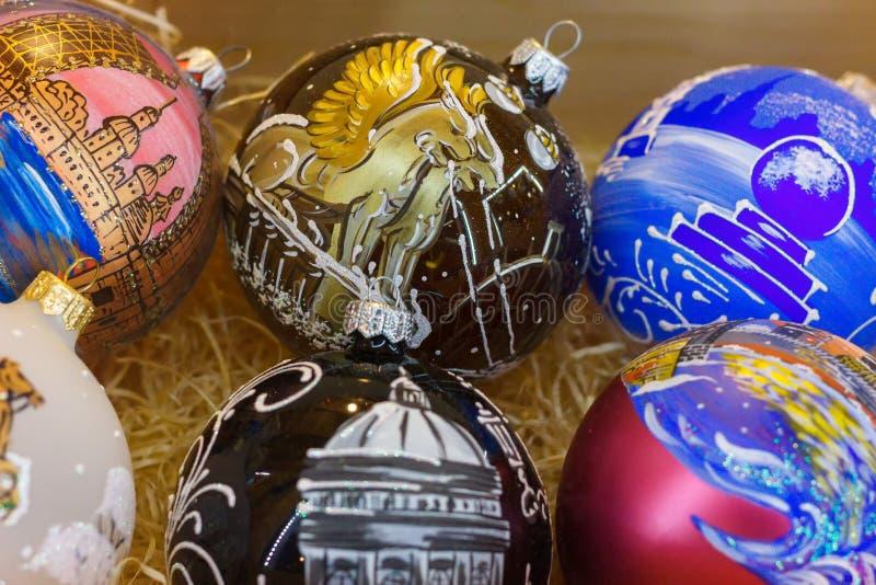 Sistema de bolas hechas a mano de la Navidad hermosa imagenes de archivo