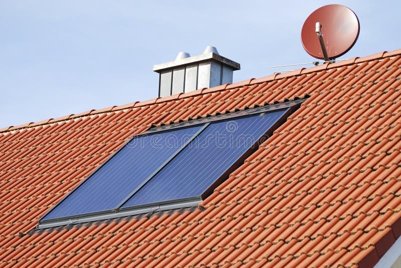 Sistema de calefacción solar imagenes de archivo