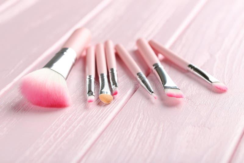 Sistema de cepillo del maquillaje imagenes de archivo