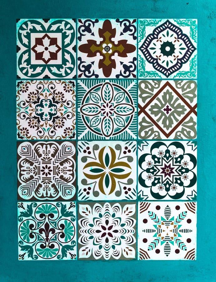 Sistema de cerámica de Talavera del mexicano Mexicano tradicional Talavera de cerámica de Puebla imagen de archivo libre de regalías