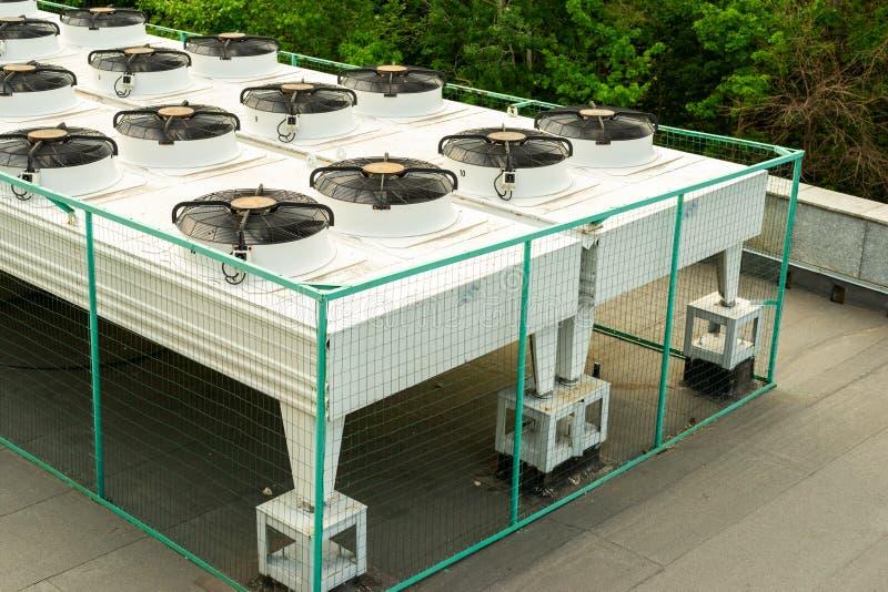 Sistema de condicionamento de ar exterior imagens de stock royalty free