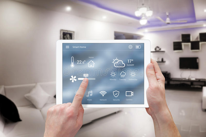 Sistema de controlo home remoto esperto app fotografia de stock royalty free