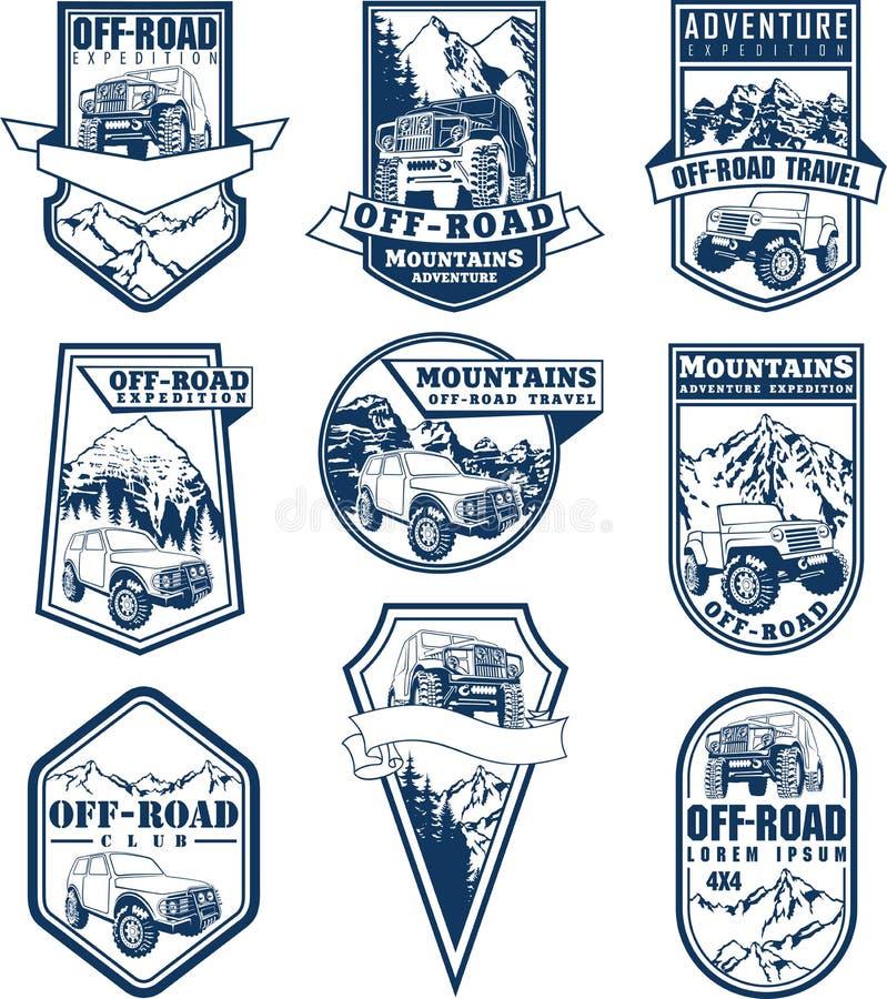 Sistema de emblemas del vector con el coche 4x4 y las montañas campo a través libre illustration