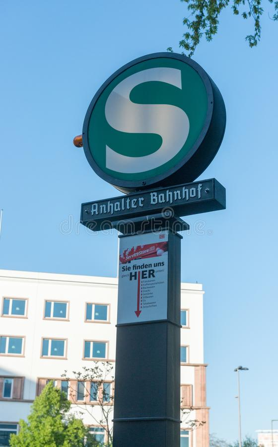 Sistema de estrada de ferro rápido do transporte de S-Bahn em Berlim foto de stock royalty free