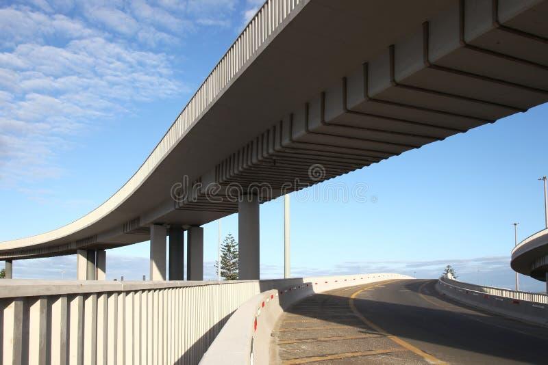 Sistema de estrada moderno elevado fotografia de stock royalty free