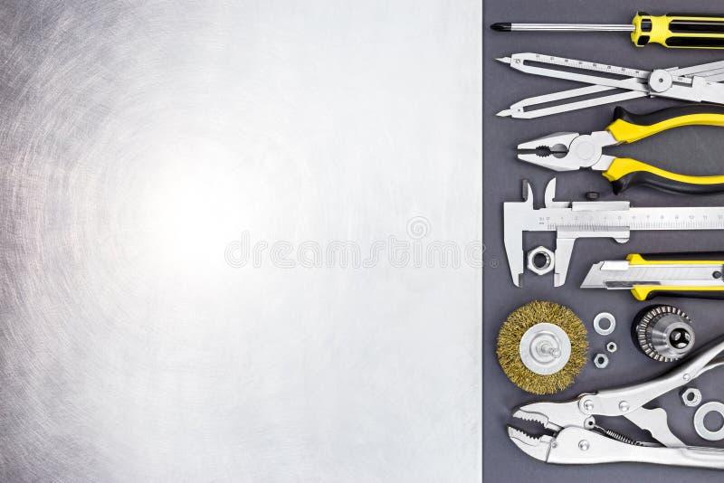 Sistema de herramienta de apretones sabios, de calibrador a vernier, de alicates y de destornillador imágenes de archivo libres de regalías