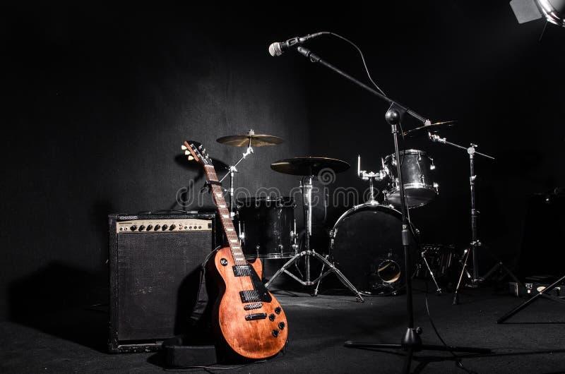 Sistema de instrumentos musicales imagenes de archivo