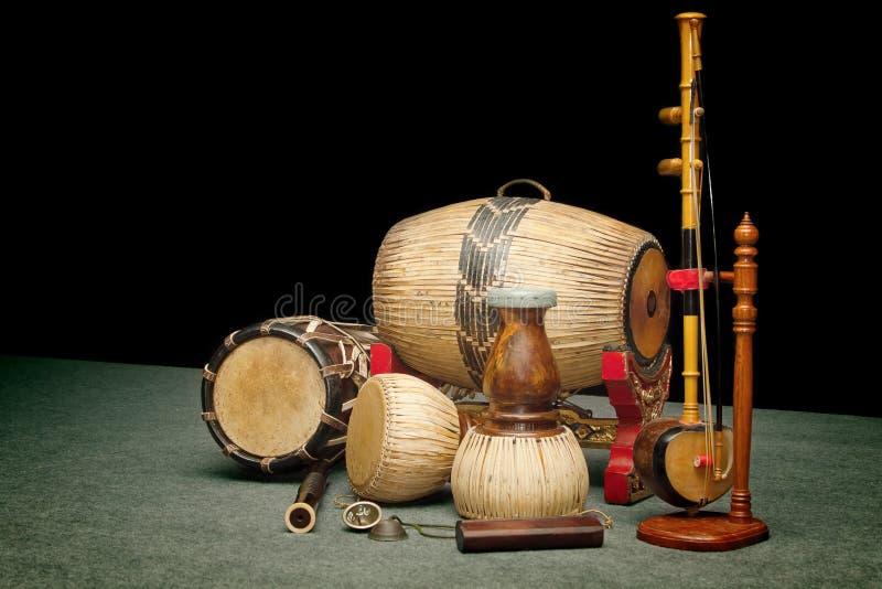 Sistema de instrumentos musicales tailandeses imagenes de archivo