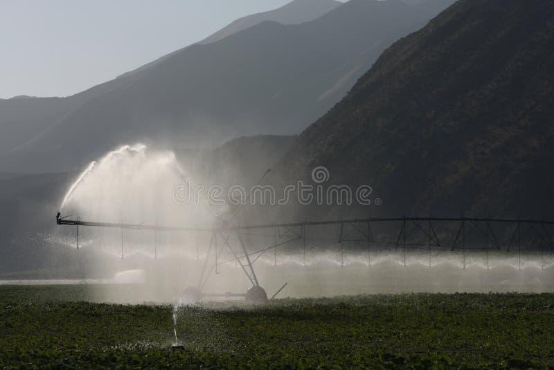 Sistema de irrigación del pivote fotografía de archivo