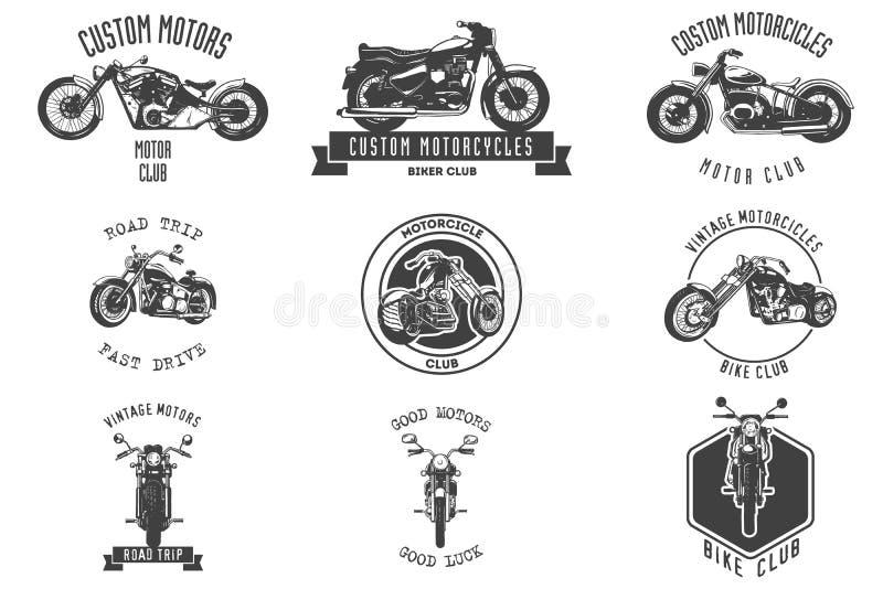 Sistema de la muestra y de etiqueta del club del motor del vintage en el fondo blanco Emblema de motoristas y de jinetes libre illustration