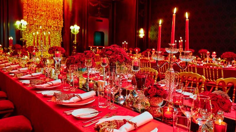 Sistema de la tabla para casarse u otro evento abastecido fotografía de archivo