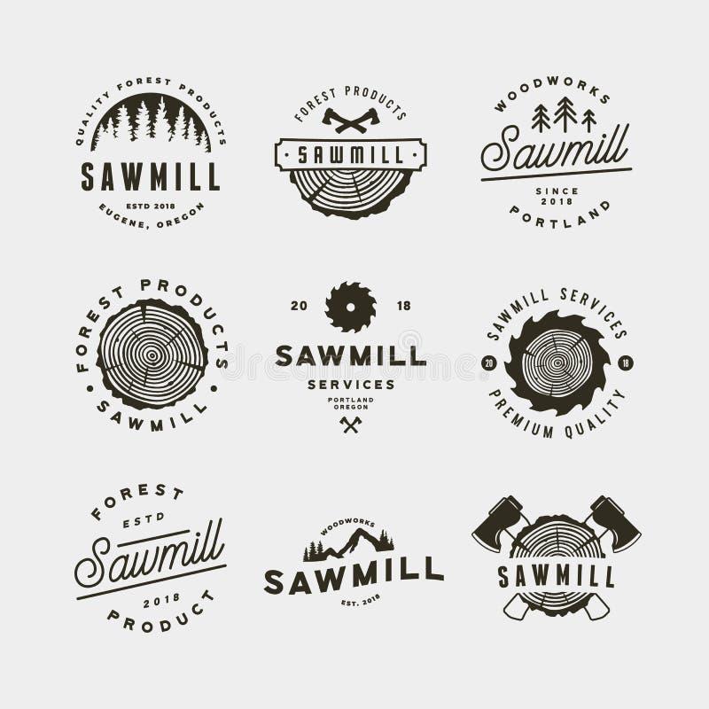 Sistema de logotipos de la serrería emblemas diseñados retros de la artesanía en madera Ilustración del vector stock de ilustración