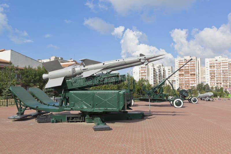 Sistema de mísseis antiaéreo S-125 Pechora no território do complexo memorável do monte vermelho na cidade de Evpatoria, Crimeia fotografia de stock royalty free