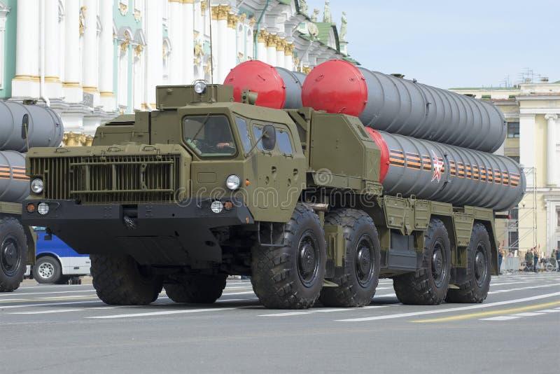 Sistema de misiles antiaéreo S-300PÐœ, ensayo del desfile en honor de Victory Day en St Petersburg imagen de archivo libre de regalías