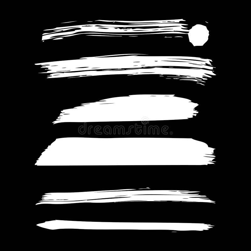 Sistema de movimientos creativos hechos a mano del cepillo de la tinta de la pintura blanca artística aislados en fondo negro stock de ilustración