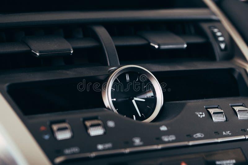 Sistema de multim?dios da tela do carro Detalhe interior imagens de stock royalty free