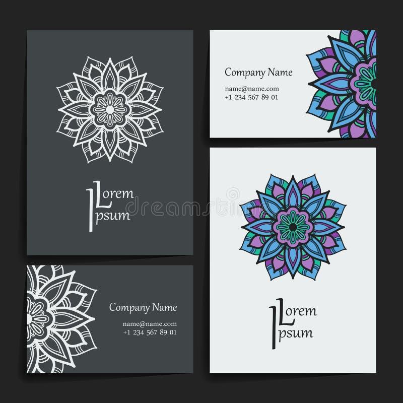 Sistema de plantillas del diseño del vector Tarjeta de visita con el ornamento floral del círculo Estilo de la mandala fotos de archivo libres de regalías