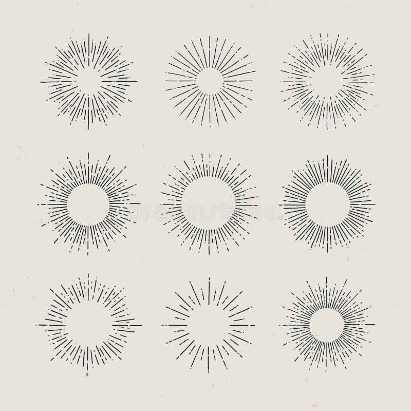 Sistema de resplandores solares dibujados mano del vintage en fondo oscuro ilustración del vector