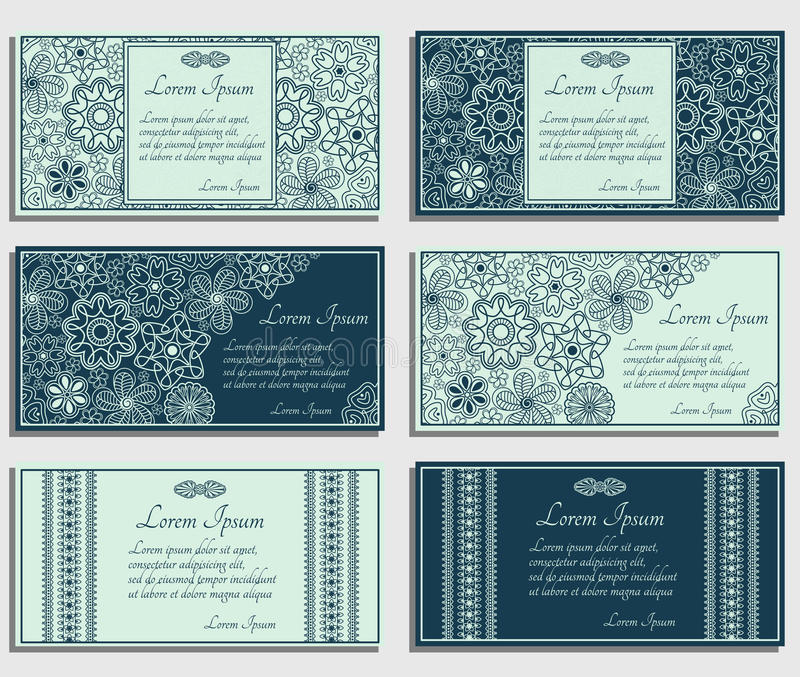 Sistema de tarjetas azules de la invitación con Paisley marrón y los elementos florales libre illustration