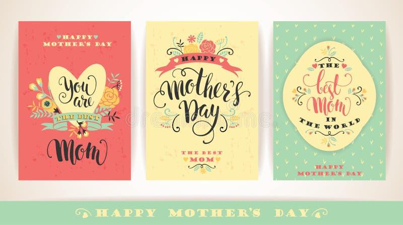 Sistema de tarjetas de felicitación felices de las letras de día de madres con las flores stock de ilustración
