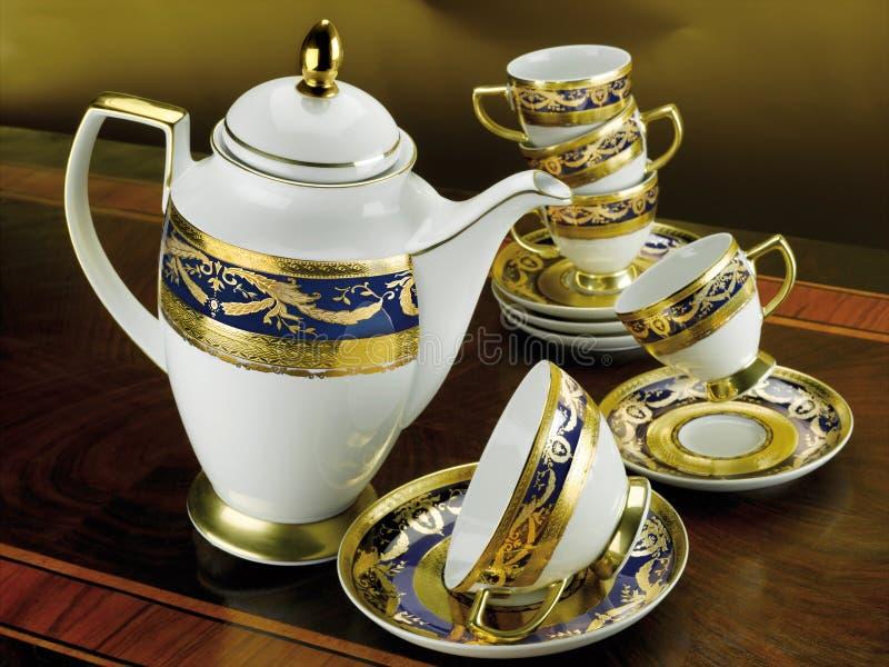 Sistema de tazas antiguas del té y de café fotografía de archivo libre de regalías