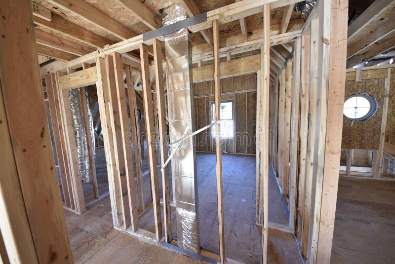Sistema de ventilación de la HVAC en pared del bastidor casero foto de archivo libre de regalías