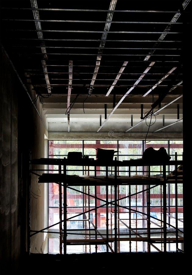 Sistema del andamio en la construcción fotografía de archivo