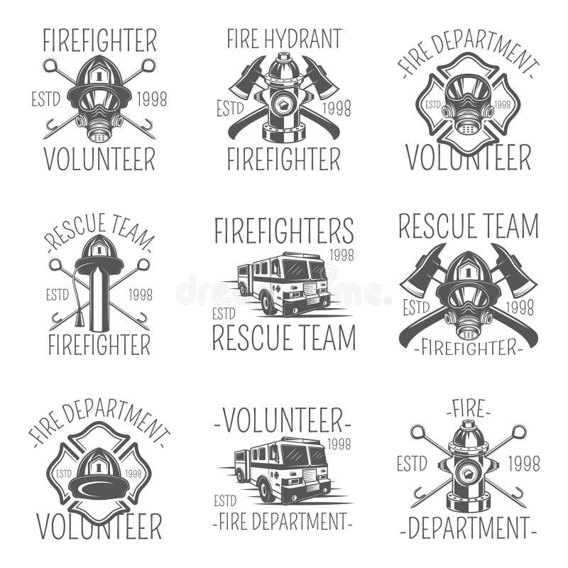 Sistema del bombero en logotipos, emblemas, etiquetas e insignias monocromáticos del estilo stock de ilustración
