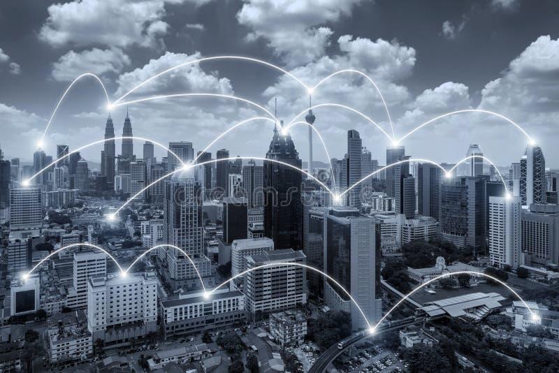 Sistema del conection del negocio de la red en la ciudad de Kuala Lumpur foto de archivo libre de regalías